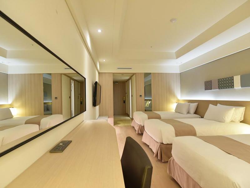 三人间 (Triple Room)